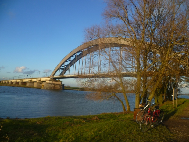 Railroad bridge over the river Lek near Culemborg