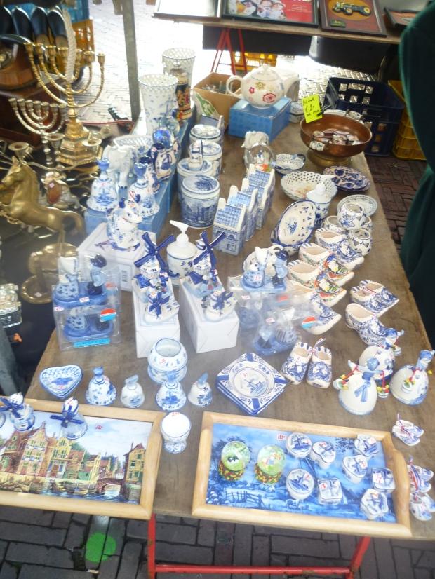 """""""Delfts Blauw"""" style souvenirs, Waterlooplein, Amsterdam"""
