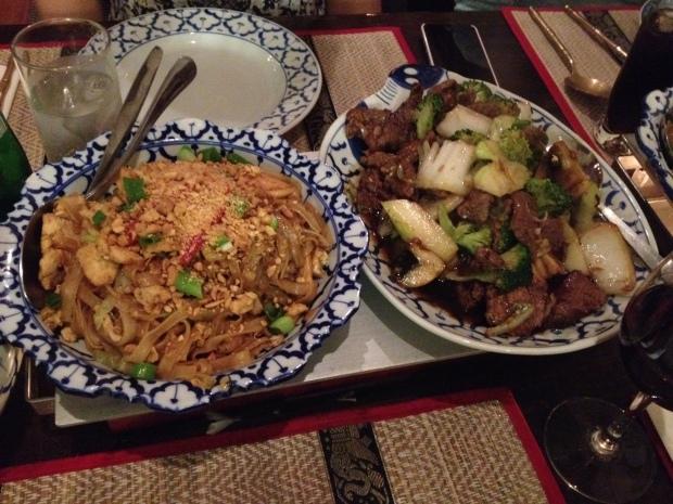 Chiang Mai: Pad Thai (left) Pad pak (right)