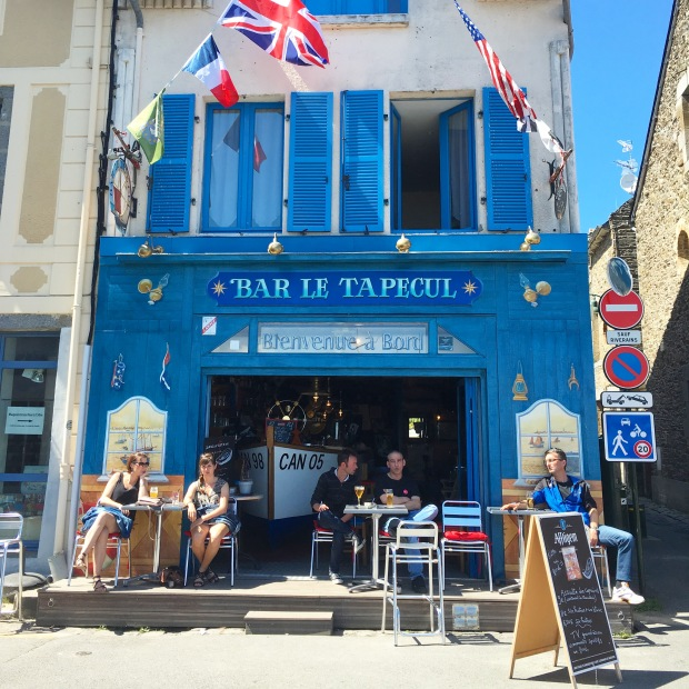 Bar le Tapecul, Cancale